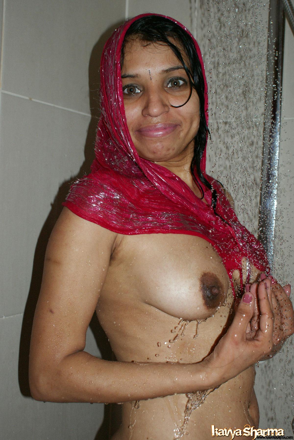 pic4 - nude girls pics indian bath